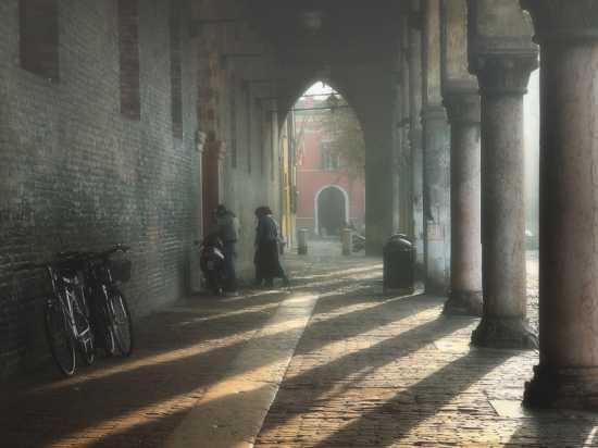 Mantova.I portici del palazzo ducale. (6037 clic)