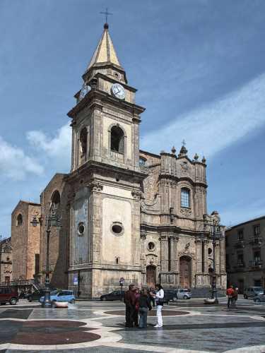 Chiesa madre.San Basilio - Regalbuto (5697 clic)
