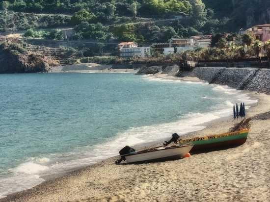 La spiaggia - Sant'alessio (5957 clic)
