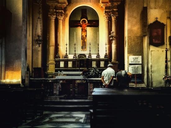 Cattedrale:Altare della solidarietà - Siracusa (3089 clic)