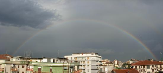 Arcobaleno visto a Catania (2187 clic)
