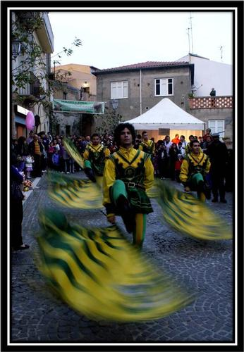 SBANDIERATORE - Montagnareale (2467 clic)