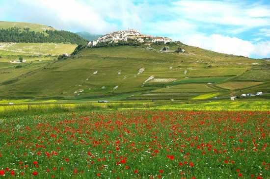 CASTELLUCCIO DI NORCIA (5054 clic)