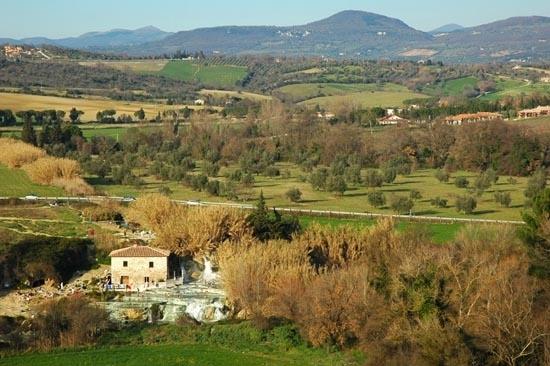 CAMPAGNA ATTORNO ALLE CASCATE DI SATURNIA - SATURNIA - inserita il 03-Jul-07