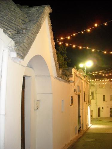 NATALE 2010 - Alberobello (1503 clic)