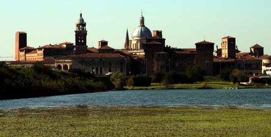 Skyline - Mantova (3235 clic)