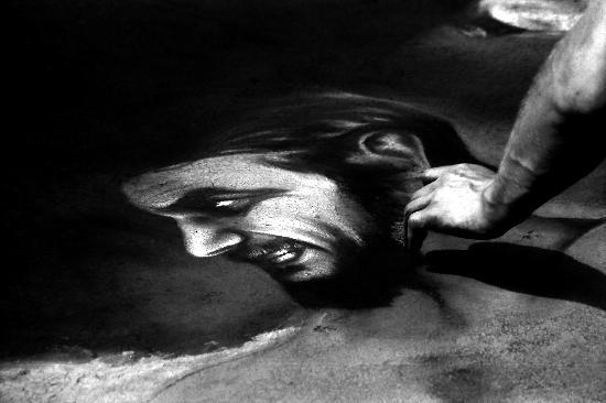 Fiera della Madonna delle Grazie, madonnaro all'opera - Le grazie di curtatone (2123 clic)