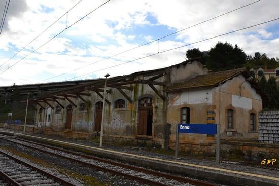 Enna - Stazione di Enna (5720 clic)