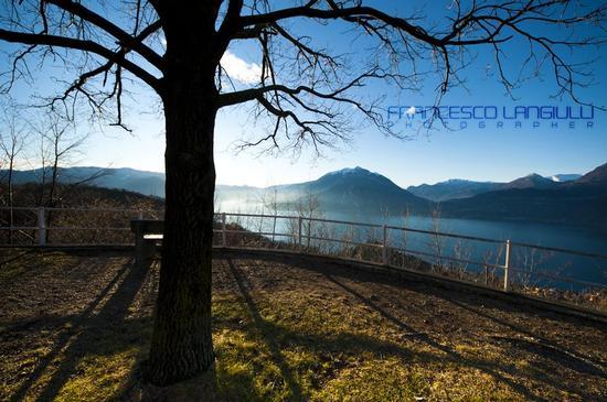 Tribuna d'onore sul lago di Lecco  - Esino lario (1300 clic)