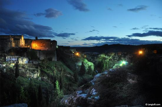 La gravina by night - Gravina in puglia (3536 clic)