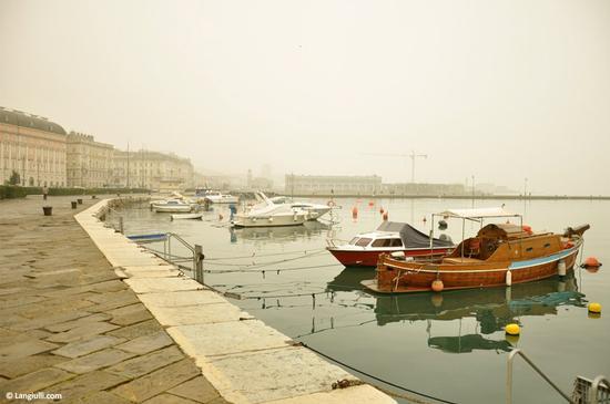 Trieste nella nebbia | TRIESTE | Fotografia di Francesco Langiulli