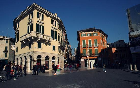 - Verona (1972 clic)