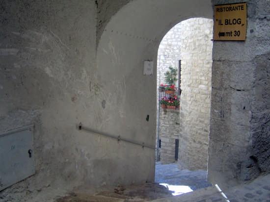 Via Stretta - Barrea (2740 clic)