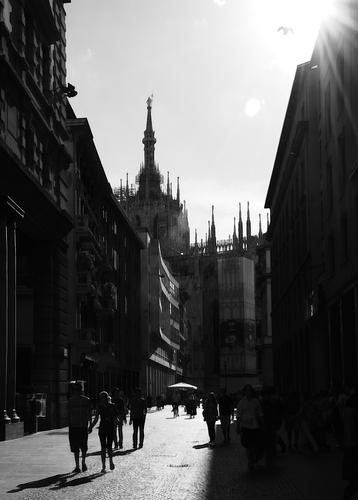 MI Corso Vittorio Emanuele II - MILANO - inserita il 04-Mar-11