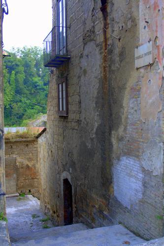 Vicolo del centro storico. - Avellino (1631 clic)