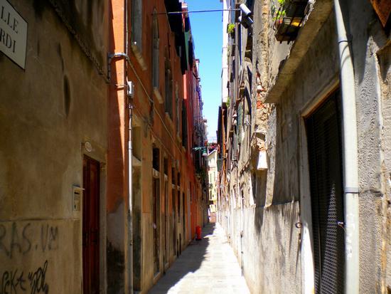 Dal Canal Grande per Calle e Campielli 9 - Venezia (1415 clic)