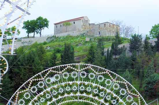 Pizzo San Michele in festa. Chiusano S.D. (AV) - Avellino (2649 clic)