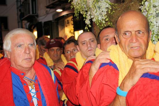 I portatori di S. Matteo a Salerno  (3144 clic)