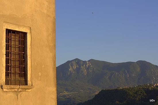Dal belvedere di Taurasi (Av) - Avellino (1788 clic)