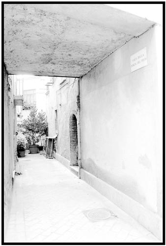 Minimalismo. Vicolo a Lapio - Avellino (1905 clic)