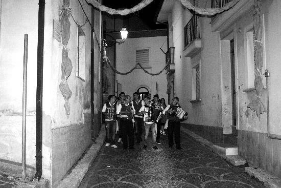 In una sera d'estate. Aiello del Sabato - Avellino (1684 clic)