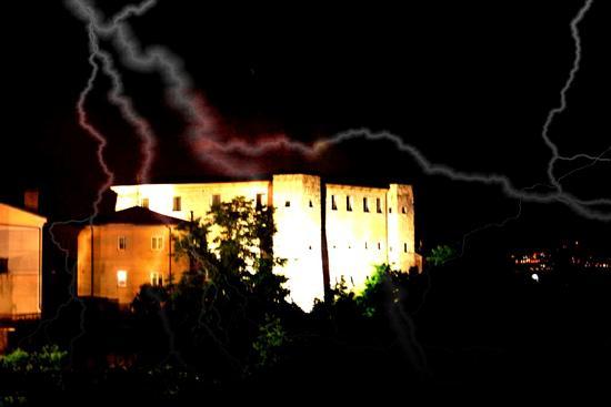 Lampo sul castello - Manocalzati (2935 clic)