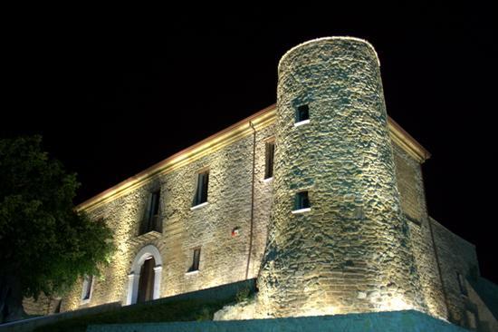 Castello di San Barbato manocalzati (AV) 2 - Avellino (3755 clic)