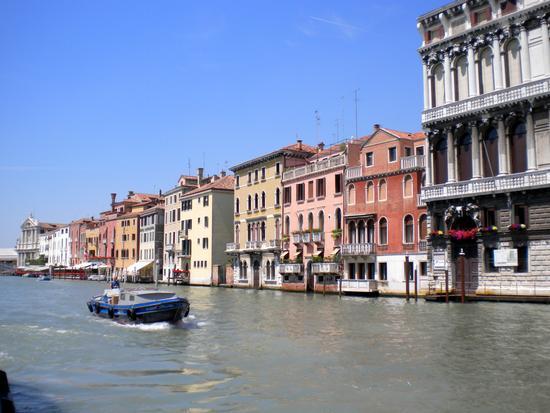 Dal Canal Grande alle Calle e Campielli 1 - VENEZIA - inserita il 21-Mar-11