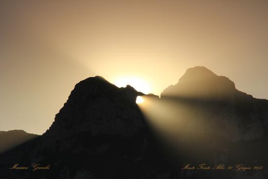 Cono di....luce  - Stazzema (2306 clic)