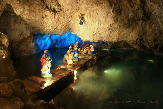 Presepe in Grotta....2  - Pescaglia (1297 clic)