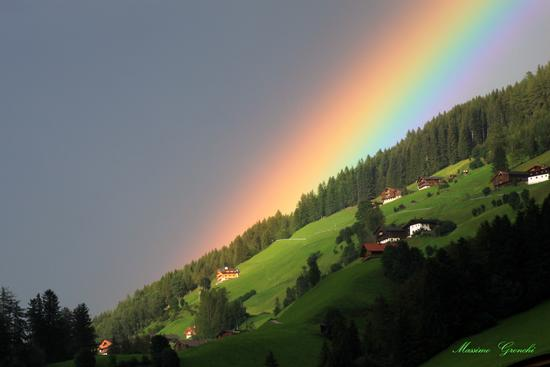 La carezza dell'arco..... - San giacomo (3672 clic)