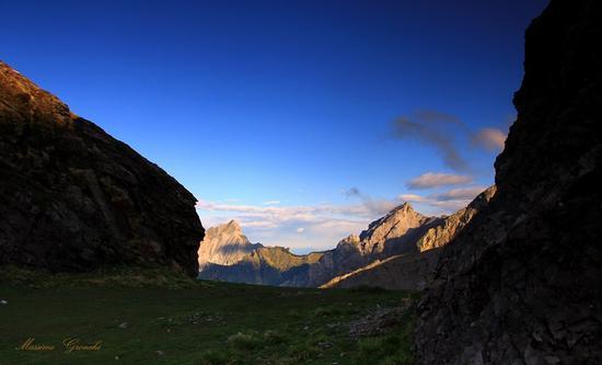 Oltre la Finestra Vandelli  - Alpi apuane (1159 clic)