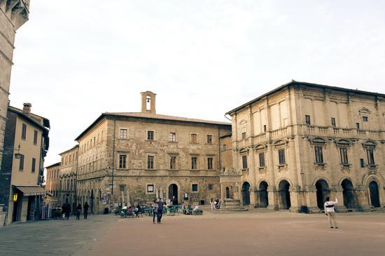 Piazza di Montepulciano (2150 clic)