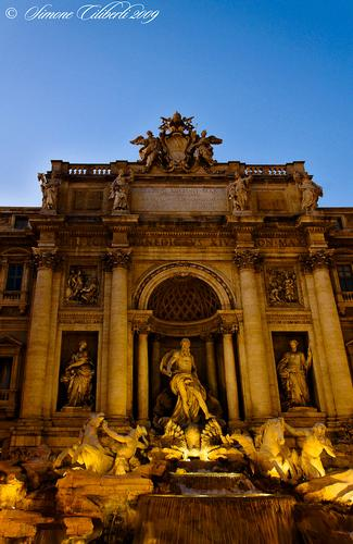 Fontana di Trevi: Roma (1666 clic)
