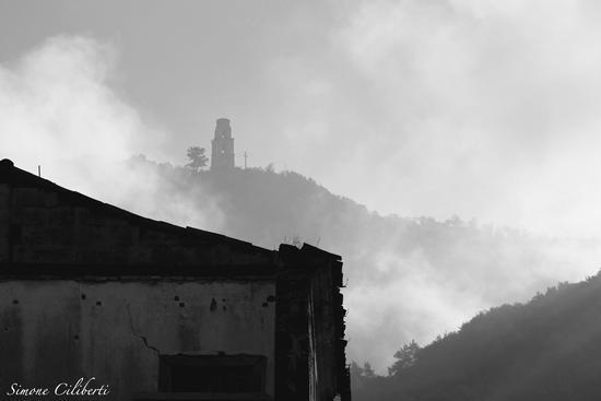 San Pasquale attraverso un velo di nebbia - Piedimonte matese (2102 clic)