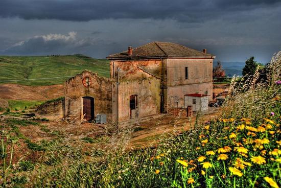 Casello ferroviaro - Assoro (2301 clic)