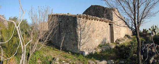 Vecchio casolare - Assoro (1566 clic)