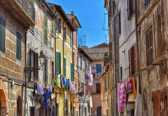 Colori... - Civita castellana (835 clic)
