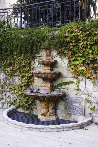 Fontana comunale - Comitini (2676 clic)