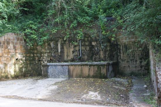 zampilli d'acqua - Resuttano (3317 clic)