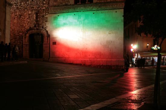 150° anniversario dell'unità d'Italia - Taormina (2611 clic)