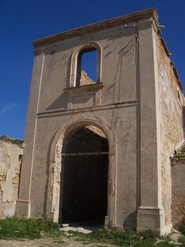 Avola - Resti dell'edificio che costituiva la tonnara (3530 clic)