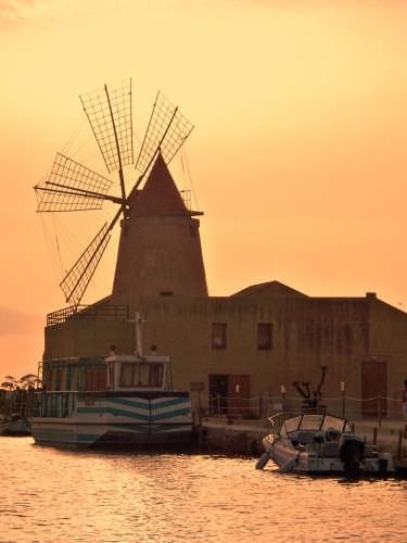 Marsala - Mulino a vento - MARSALA - inserita il 01-Sep-08