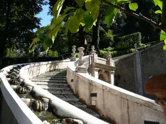 Scalinata della fontana dei Draghi - Tivoli (3383 clic)