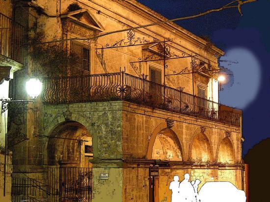 Piazza S. Giovanni, Palazzo Napolino  - Modica (2878 clic)