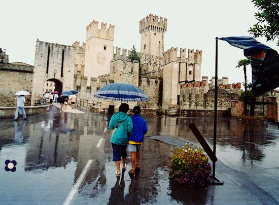 Sirmione, sotto la pioggia (3552 clic)