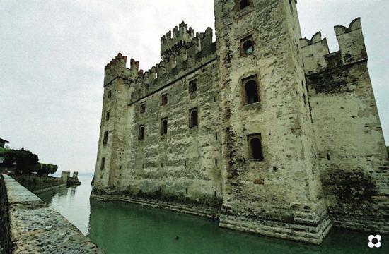 Il castello scaligero - Sirmione (1059 clic)