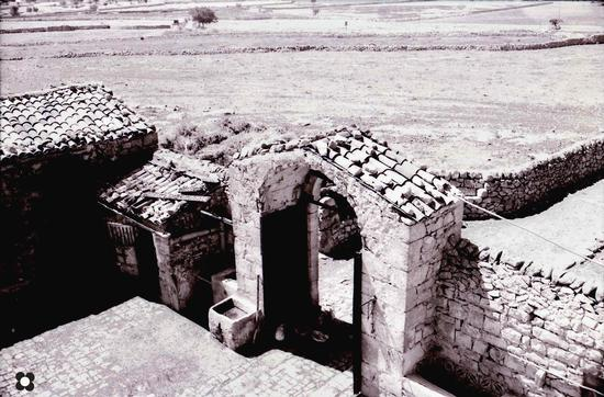 ingresso nel cortile di una masseria bagghiu - Modica (2917 clic)