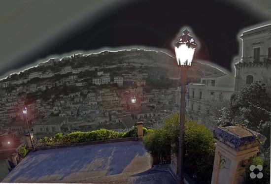 luci nella scalinata di S. Giorgio - Modica (994 clic)