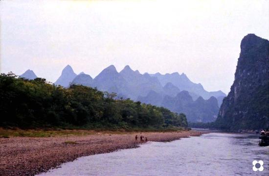 Guilin, ragazzi sul fiume (552 clic)